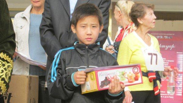 Самый юный участник марафона - Азамат Лесбек