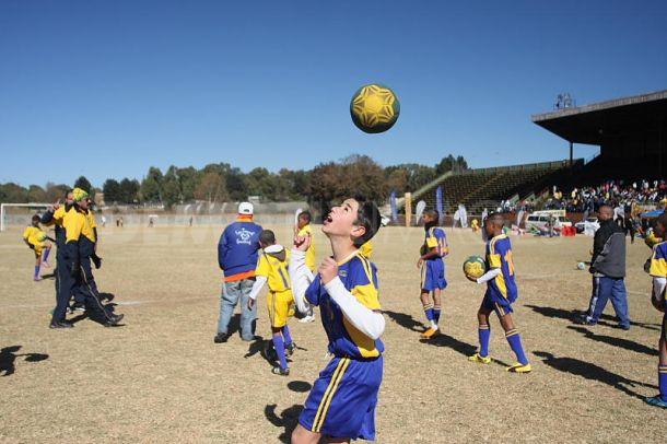 Учиться футболу в Бразилии – мечта любого мальчишки