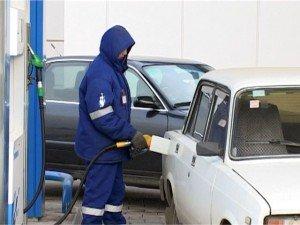 Бензин вновь подешевел