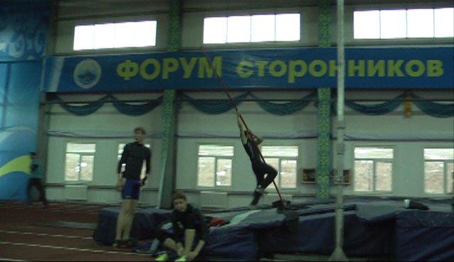 Прыгунов с шестом в Казахстане очень мало