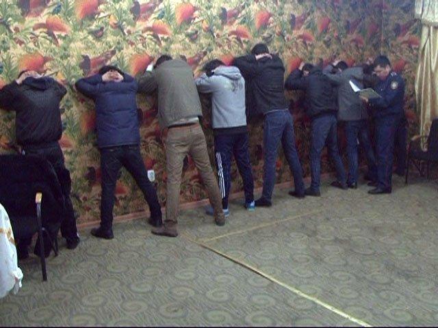 Шымкент. Задержание подозреваемых в вымогательстве происходило в бильярдном клубе