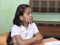 Сабина учится в специально открытом для таких детей классе ленгерского интерната для слабослышащих детей