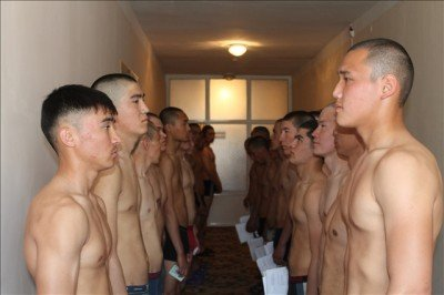 В армию из Южного Казахстана отправятся 2000 человек