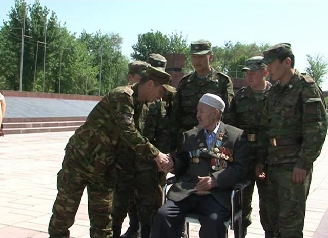 Тоганбай Каумбаев помнит каждый жестокий бой, в котором ему удалось выжить