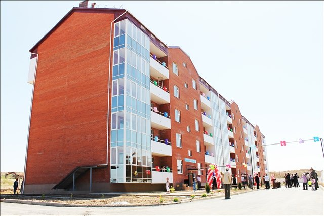 Новый дом, который первым введен в эксплуатацию в микрорайоне Сауле
