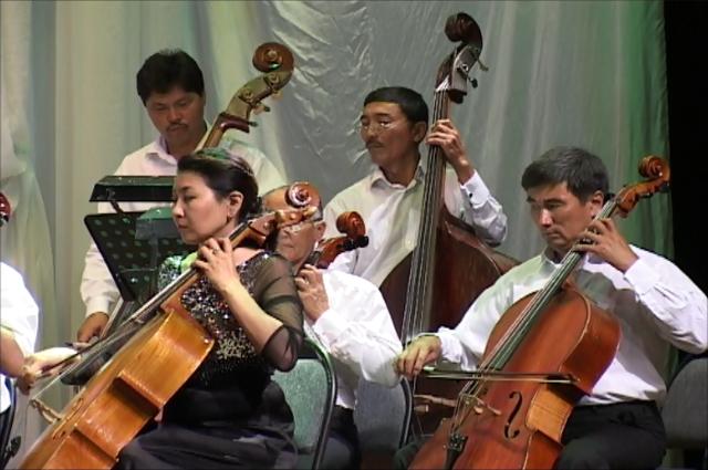 Концерты проходят в сопровождении симфонического оркестра