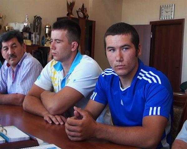 Михаил (слева) и Тимофей (справа) Емельяновы