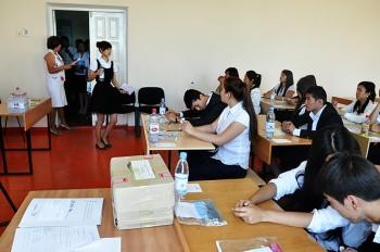 Шымкентские выпускники сдают ЕНТ