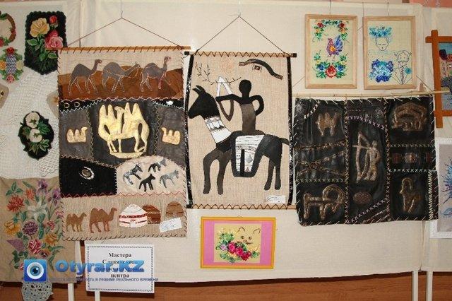 Поделки из кожи, выполненные мастерами славянского культурного центра