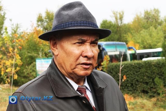 Оразгали Бекбанов в разговоре с журналистами