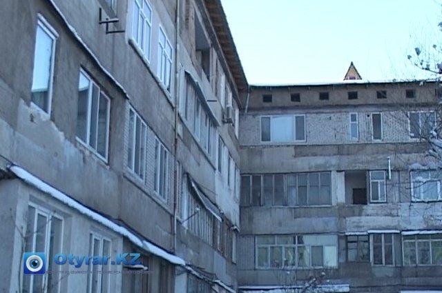 Жители нескольких многоэтажек были вынуждены обогревать свои квартиры подручными средствами