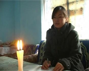 """Жители мкр""""Актас"""" коротают долгие зимние вечера при свечах"""