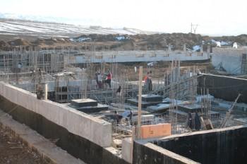 строительство больницы ведется ускоренными темпами.