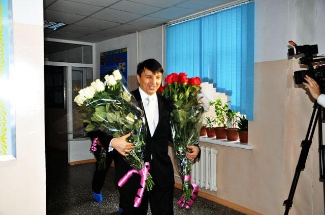 Огромный букет роз от любимого мужа, сегодня, Алия Юсупова получила не за спортивные достижения