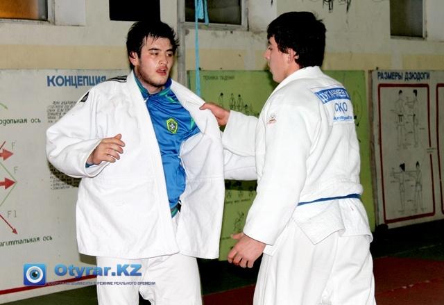 Ислам Атаметов и Магамед Дугачиев на тренировках