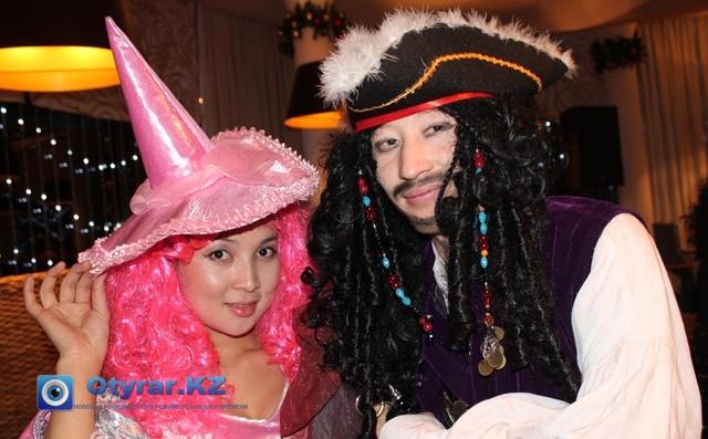 Джек-воробей стал популярным персонажем на карнавале