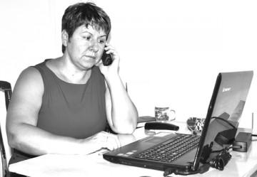 Начальник отдела соцобеспечения департамента по контролю и соцзащите населения ЮКО Людмила Ефремова – 47-84-51.