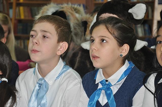 Школьники с удовольствием принимали участие в играх