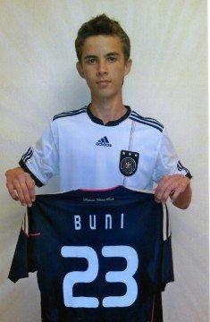16-летний футболист - Буниед Туламетов