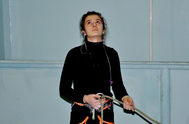 Елена Груняшина страхует партнера по команде.