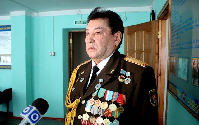 Алибек Сарсенов, председатель филиала республиканского общественного объеденения ветеранов ВС ЮКО. В разговоре с журналистами.