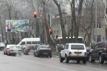 Яркие огни светофоров на перекрестках, таймеры - это перспективы ближайшего будущего