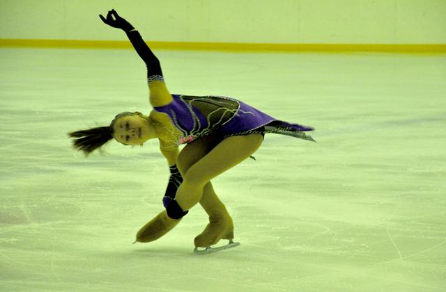 8 февраля, 15:00 часов соревнования среди женщин. Произвольная программа мастеров спорта.