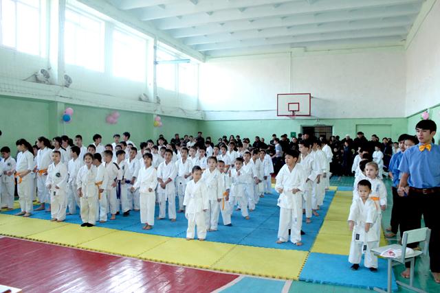 Первенство города собрало более 120 спортсменов с разных школ Шымкента.