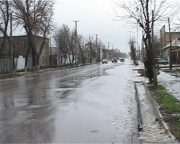 Из-за дождя на улице случился потоп