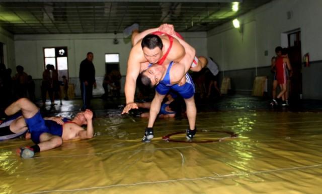 Алимхан Сыздыков тренеруется в паре с Саматом Сапарбаевым.