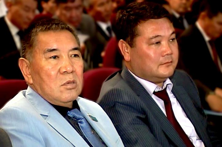 Омирзак Мельдеханов и Бахадыр Нарымбетов на молодежном форуме.