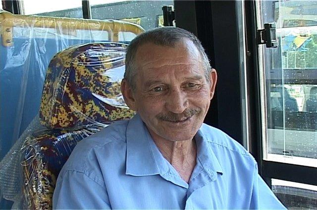Зуфар Файзулин доволен новым автобусом