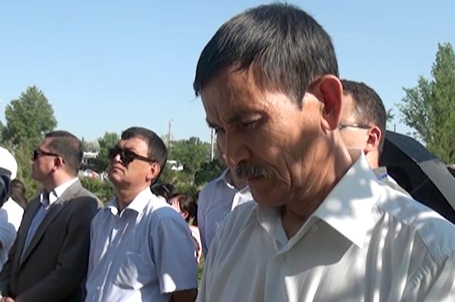 """Сотни людей пришли возложить цветы к мемориалу """"Касырет"""""""