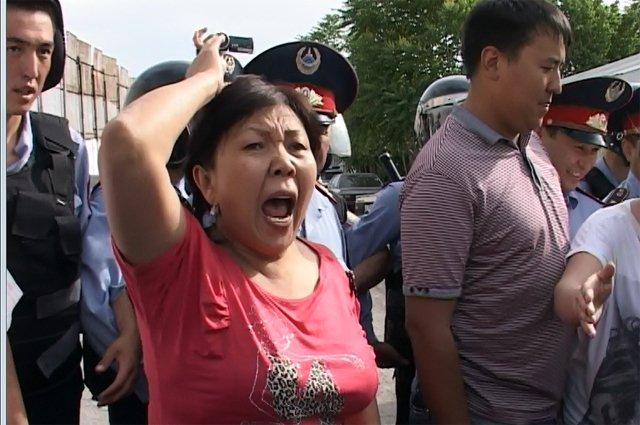 Матери и жены поверили слухам об избиении их родных в колонии