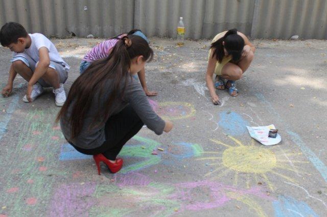 Дети соревновались в рисовании