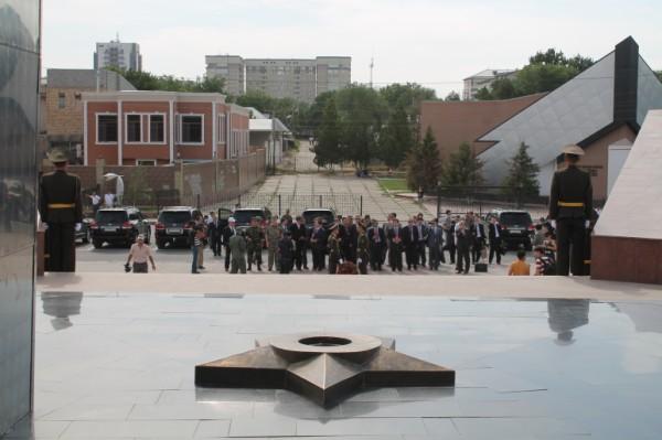 Представители стран ШОС посетили мемориал Славы