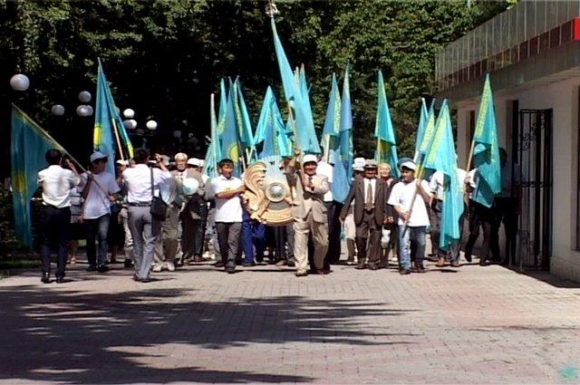Преддверии праздника в Шымкенте прошел Флешмоб