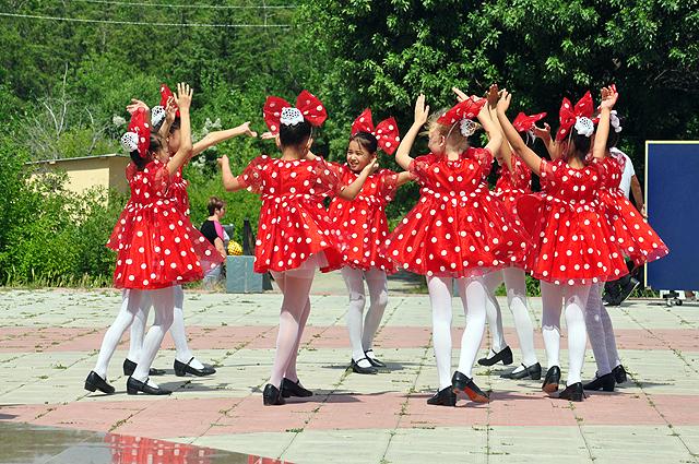 Выступило множество танцевальных коллективов