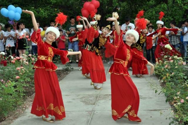 Яркие и красочные танцевальные программы