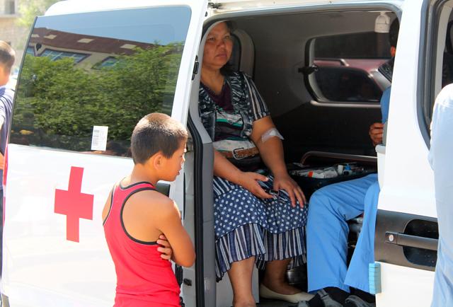 У некоторых родителей подскочило давление и пригодилась бригада скорой помощи