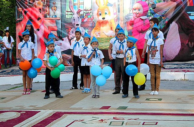 """Отдыхающие дети прочитали стихи посвященные лагерю """"Тау самалы"""""""