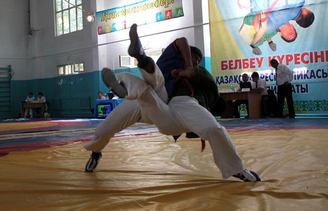 Южанам небыло равный на Чемпионате Казахстана по борьбе на поясах (Белдеу курес)