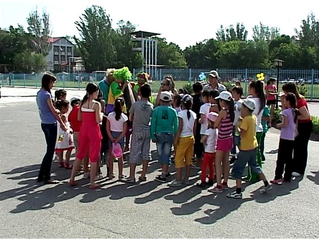 Все празднуют день защиты детей