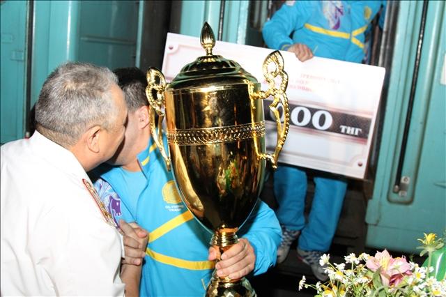 Кубок у победителей