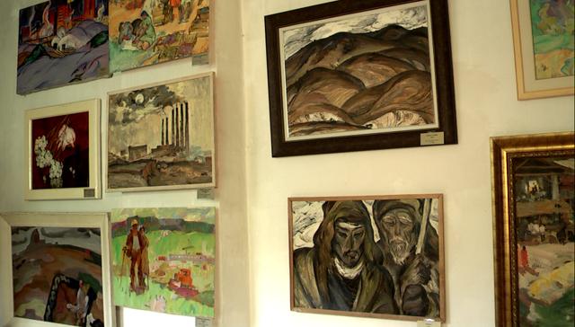 Картины, представленные на выставке-продаже