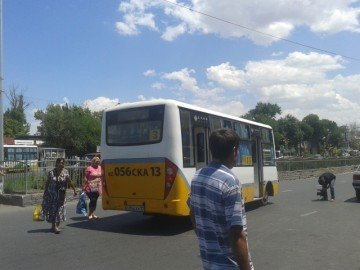 Маршрут автобуса№3 продлили на одну остановку.Если раньше конечная была на Озере, теперь на Верхнем рынке
