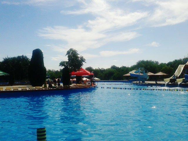 """За годы существования, аквапарк """"Дельфин"""", стал любимым местом отдыха горожан"""