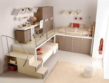 А как вам вот такой вариант маленькой детской? «Двухэтажные» кровати есть у многих, а здесь на второй уровень уходит мебель и рабочее место. Просторно, креативно, современно – ваши дети это оценят