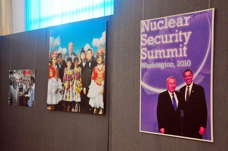 На выставке представлены фото-работы столичных и южно-казахстанских авторов.