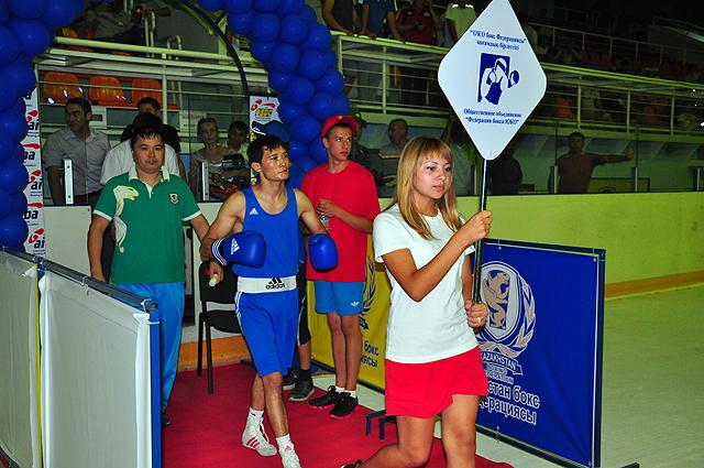 Кубок казахстанской федерации бокса в Шымкенте. День первый